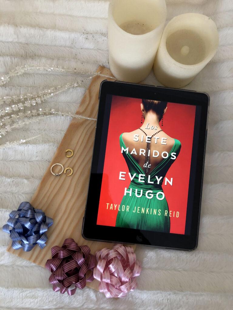 Los siete maridos de Evelyn Hugo publicada por Umbriel editores y escrita por Taylor Jenkins Reid.
