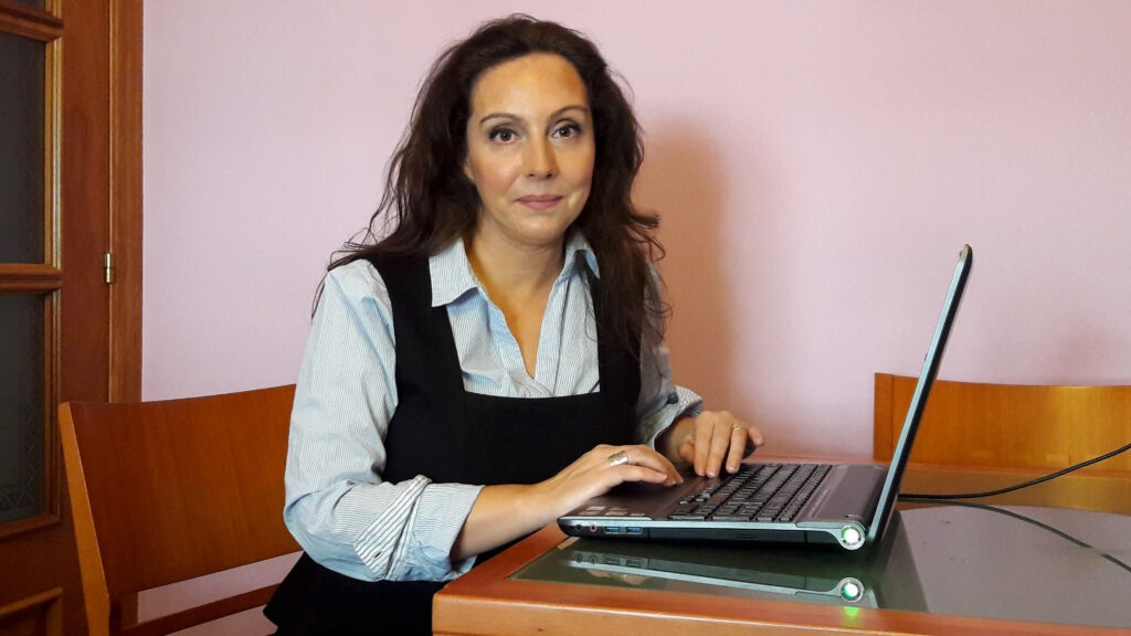 Fotografía de Mónica Gutiérrez , escritora, docente, y bloguera.