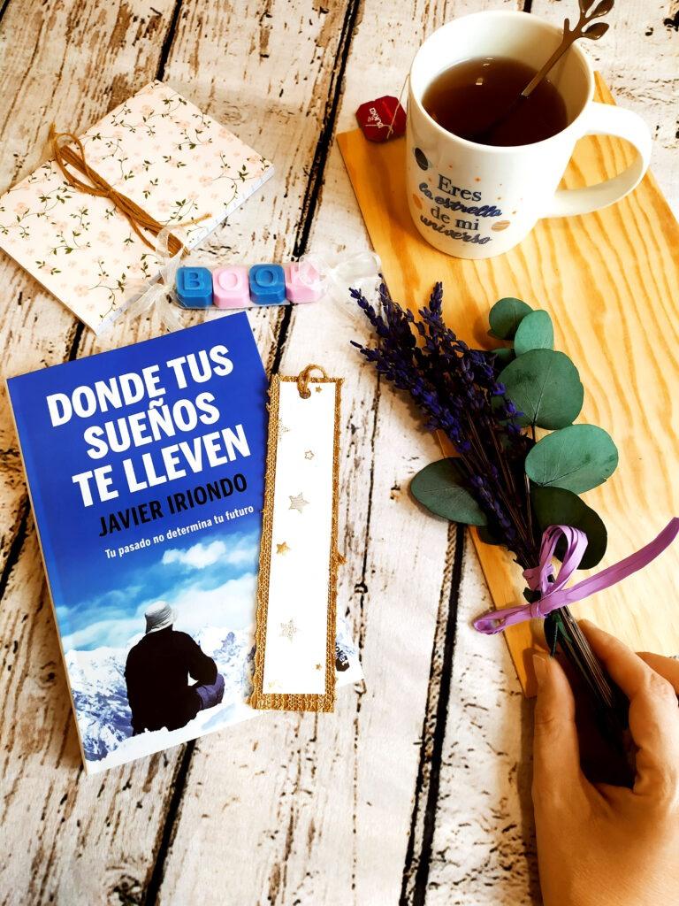 Donde tus sueños te lleven por Javier Iriondo. Y la caja literaria en www.regalasentidos.com